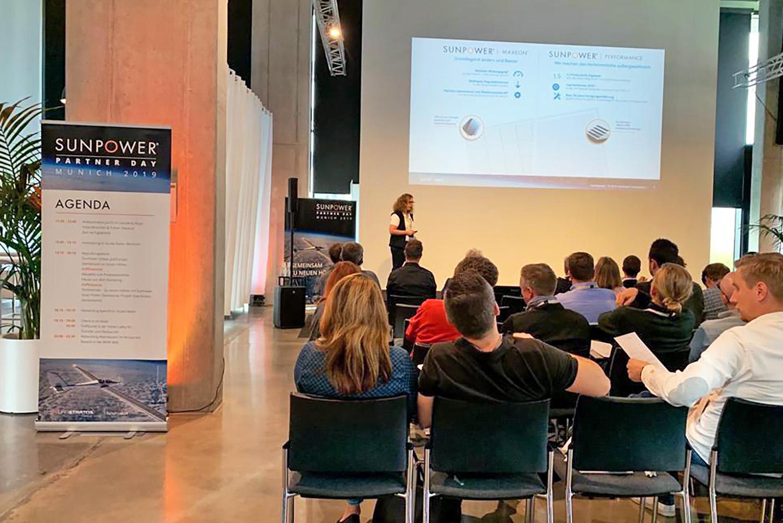 schareinprojekt-solarstratos-konferenz-event-solarenergie-sunpower-münchen-flugsimulator-präsentation