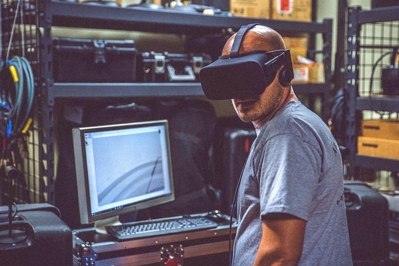 schareinprojekt-virtual-reality-vr-brille-automotive