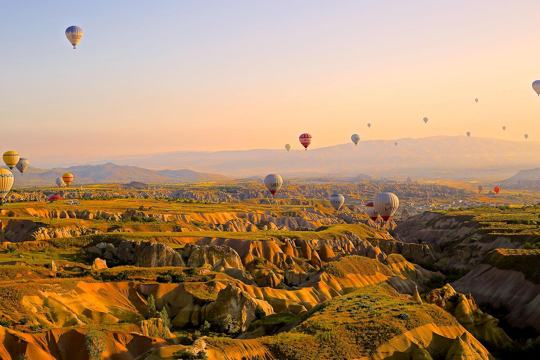 schareinprojekt-incentive-team-teamwork-sport-spass-teambuilding-zusammenhalt-reise-heißluftballon-ausflug