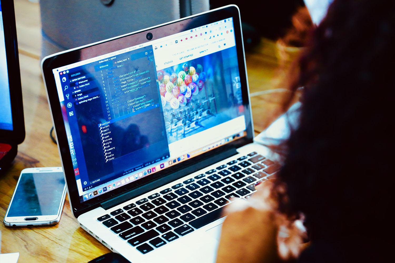 schareinprojekt-digital-web-app-webseite-programmieren-html-grafik-design