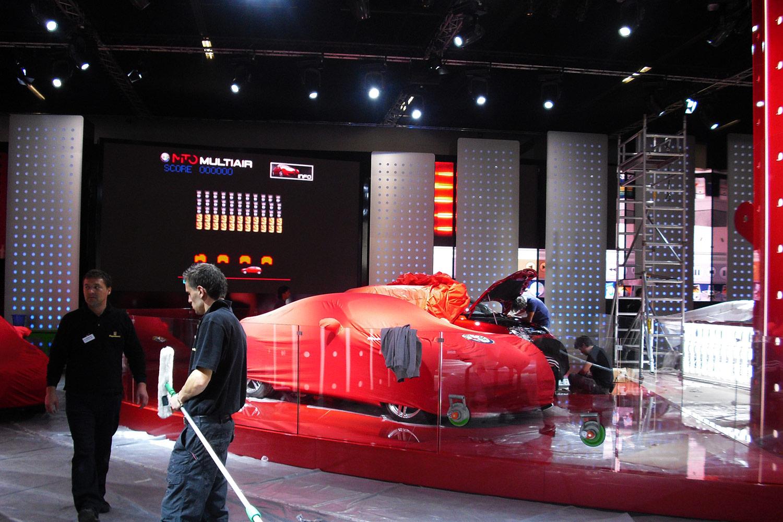 schareinprojekt-messe-event-promotion-automotive-auto-fahrzeug-elektroauto-aufbau
