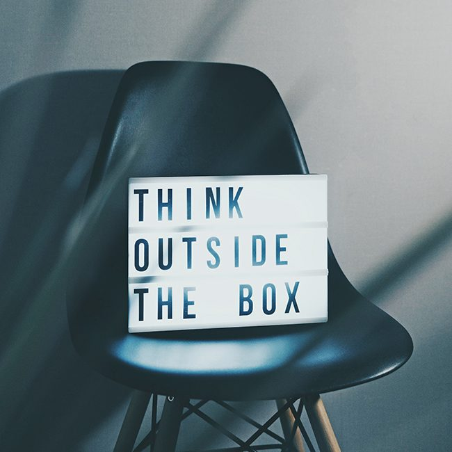 schareinprojekt-think-outside-the-box-team-creative-grafik-design