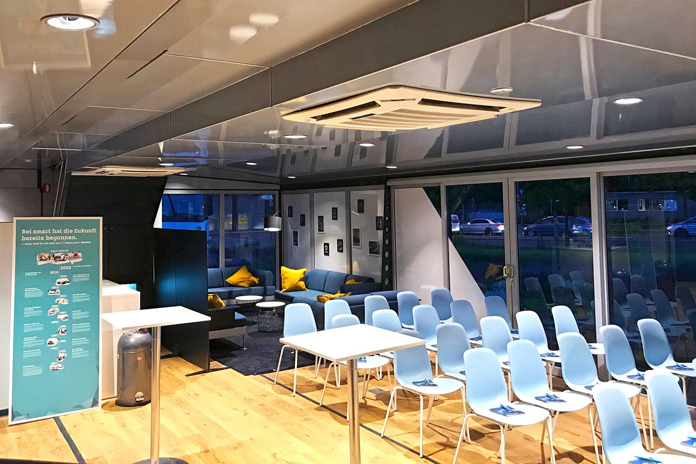 schareinprojekt-event-training-smart-trucktour-trainingstruck-truck-auto-lounge